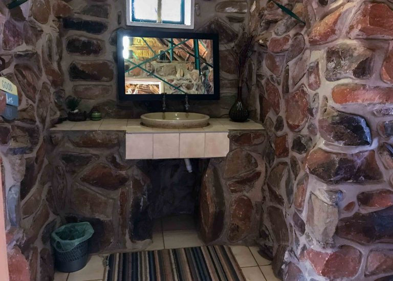 camping-showers-palm-afrique-lodge